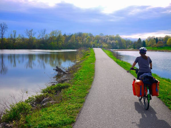 cycling the erie canal trail